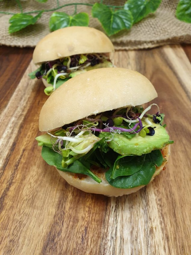 Ciabatta roll – Vegetable relish, baby spinach, tomato, avocado and sprouts (v)(df)
