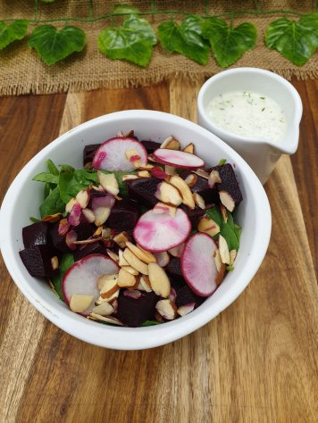 Beetroot, baby spinach, radish and toasted almonds salad, lemon dill yoghurt dressing (gf)(v)