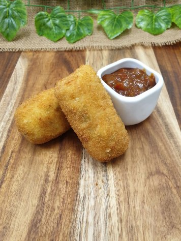Bacon, parmesan, potato and herb croquettes with tomato chilli dipping sauce