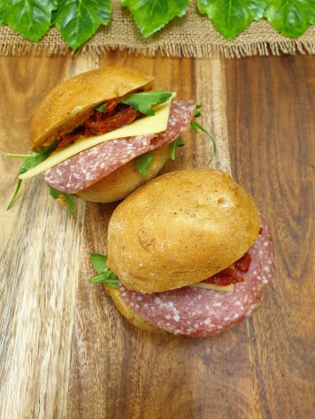 Pesto Roll – Salami, cashew red pepper hummus, rocket, cheddar and sundried tomato strips